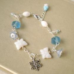 Ice queen bracelet - 'Treasures' collection, snowflake winter, silver plated, white, light blue